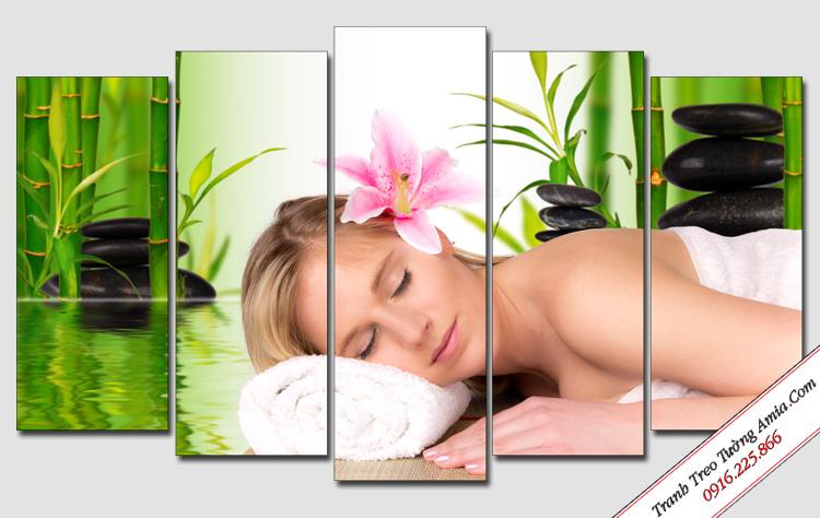 tranh trang tri spa co gai massage