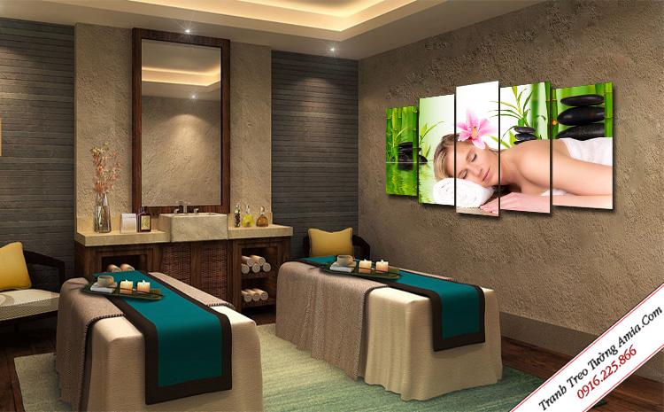 tranh trang tri phong spa co gai massage