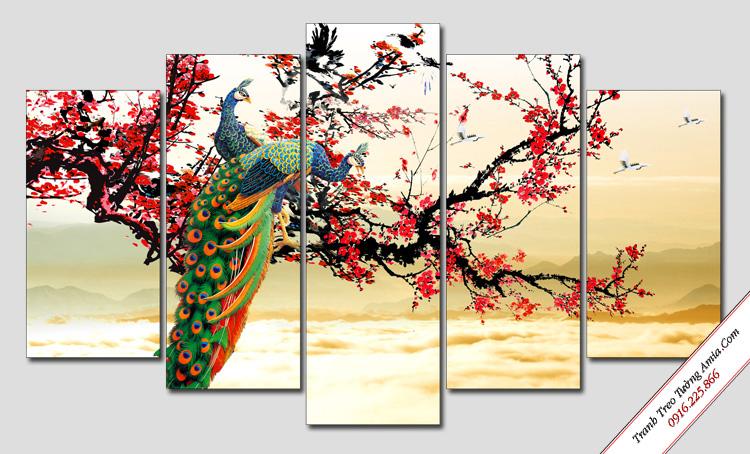 tranh chim cong va hoa dao treo tuong phong ngu vo chong