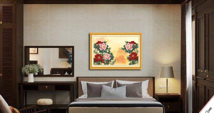 tranh hoa mau don treo tuong phong ngu vo chong