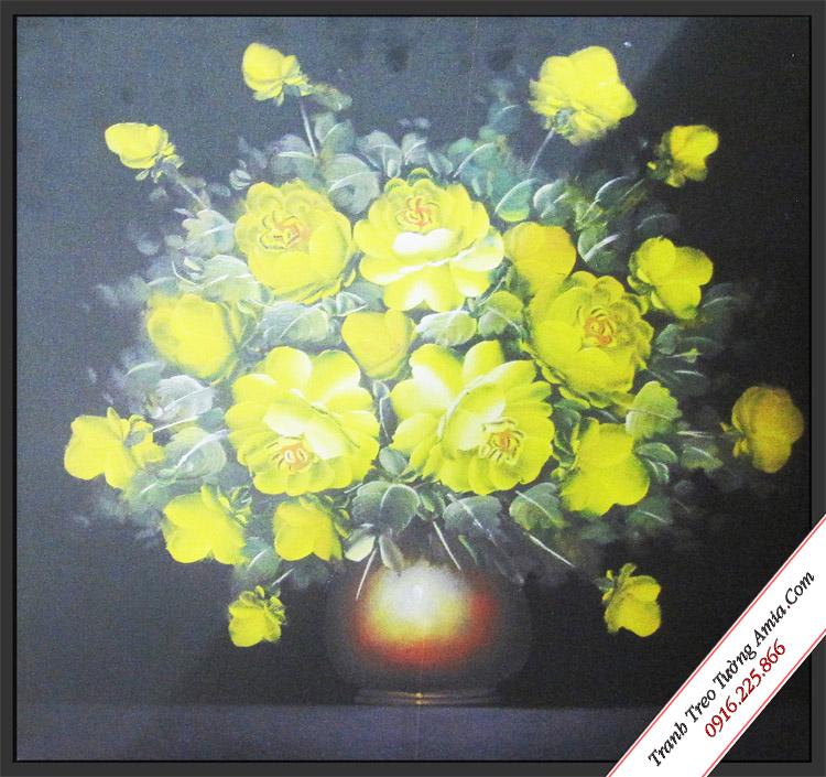 tranh canvas treo tuong dep binh hoa hong vang