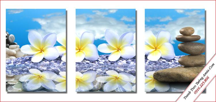 tranh hoa dai trang treo tuong cau thang dep