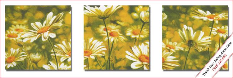 tranh treo tuong hoa cuc hoa mi trong gio trang tri loi di cau thang