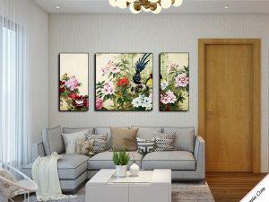 tranh doi chim va hoa mau don treo phong khach