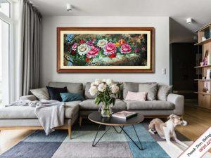 tranh trang tri phong khach hoa mau don phong thuy