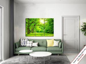 tranh treo phong khach phong canh rung cay xanh