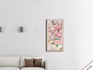 tranh treo phong khach binh hoa moc lan