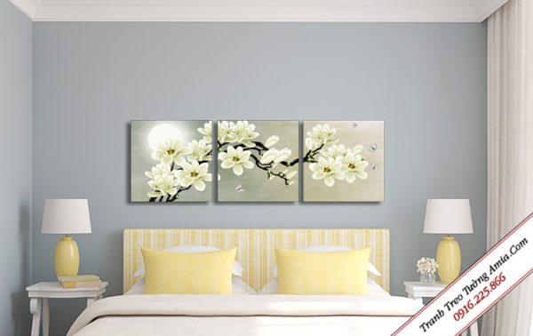 tranh treo tuong canvas hoa moc lan duoi trang
