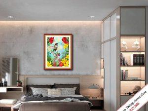 tranh treo tuong doi chim uyen uong hut mat hoa dep