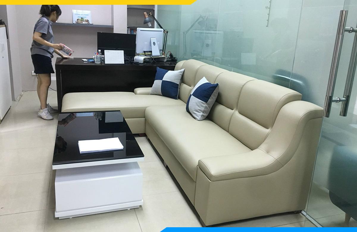 Có thể tận dụng phần khung của sofa cũ để tiết kiệm hơn cho gia đình bạn- Hình ảnh thực tế  bộ ghế sofa được bọc lại tại AmiA